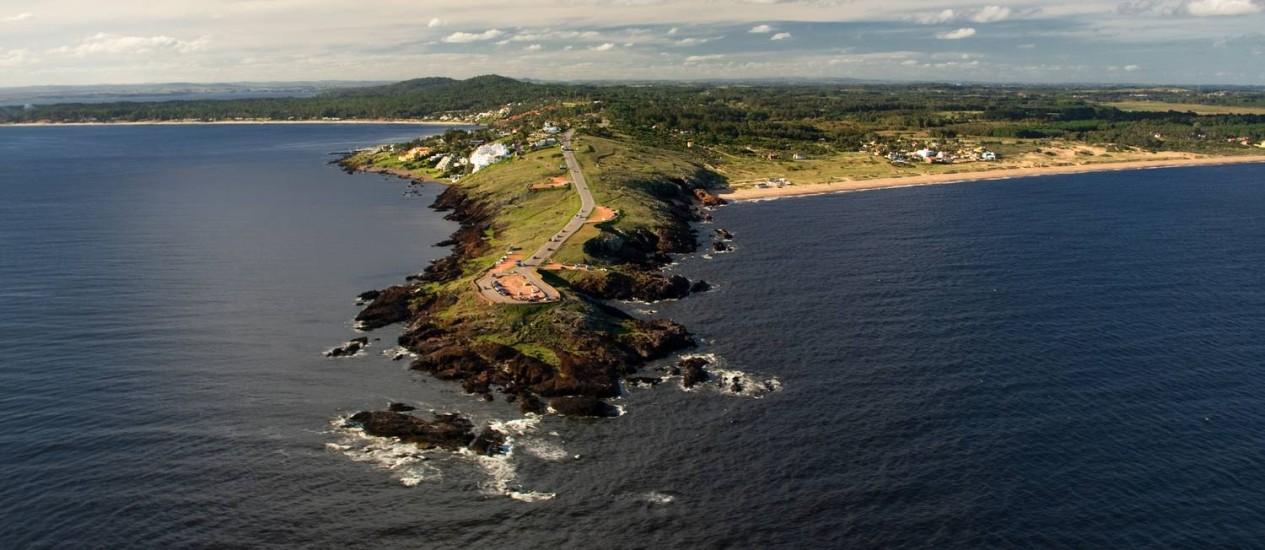 Península. Mirantes de Punta Ballena e praias vizinhas, em Punta del Este, Uruguai Foto: Kromostock / Ministério do Turismo do Uruguai/Divulgação