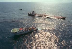 Navios petroleiros Foto: Cezar Loureiro / Agência O Globo
