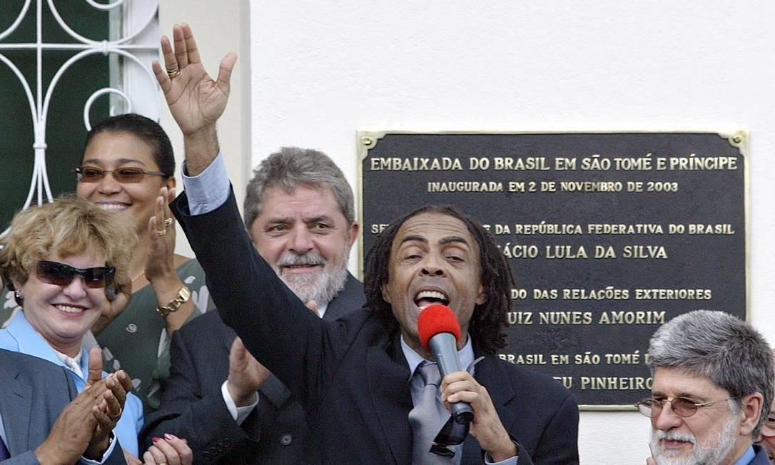 SÃO TOMÉ E PRÍNCIPE. Custo anual da embaixada brasileira: R$ 2,65 milhões.   A representação diplomática do Brasil foi inaugurada e, 2 de novembro de 2003 com a presença de Lula, dona Marina, do chanceler Celso Amorim e de Gilberto Gil, então Ministro da Cultura. Foto: Ricardo Stucker / PR