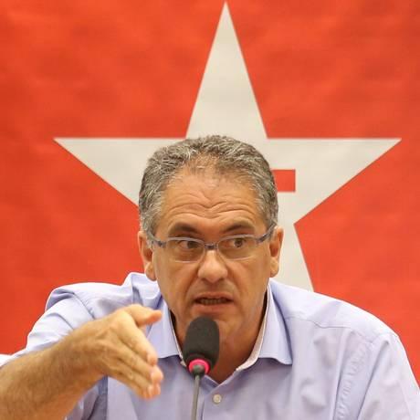 Para Carlos Zarattini, líder do PT na Câmara, houve uma criminalização do modelo de financiamento de campanhas Foto: Ailton de Freitas / Agência O Globo