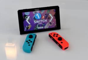 O Nintendo Switch mostrado em vitrine em Nova York Foto: TIMOTHY A. CLARY / AFP
