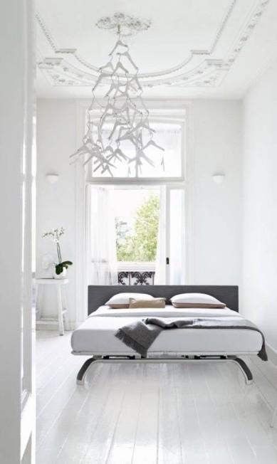 A cama Royal, da marca holandesa Auping, à venda na loja carioca Collectania, é um exemplo de móvel que segue o design escandinavo Divulgação