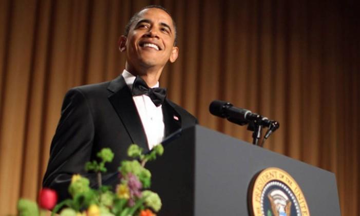 Obama não economizou em piadas sobre Trump no jantar anual dos correspondentes na Casa Branca em 2011 Foto: Reuters