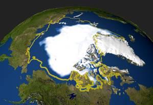 Ilustração com dados de imagens de satélite mostra a concentração mínima de gelo no Ártico registrada em setembro de 2005: cobertura deve sobreviver só se aquecimento global for limitado a 1,5 grau Celsius Foto: AFP/Nasa