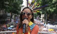 Anitta arrastou uma multidão pelo Centro do Rio Foto: Cléber Júnior / Agência O Globo