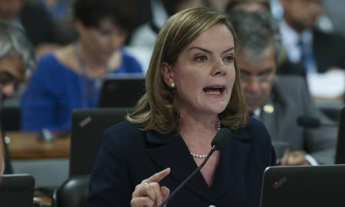 Gleisi Hoffmann indicou outras cinco pessoas em sua defesa Foto: Ailton de Freitas / O Globo