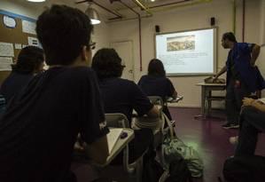 Aula de história para alunos do 3º ano do ensino médio do colégio Mopi, na unidade da Tijuca, no Rio de Janeiro Foto: Fernando Lemos