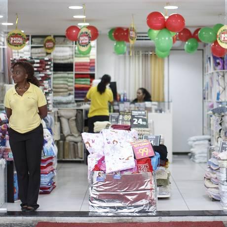 Loja quase vazia no Rio de Janeiro Foto: Daniel Marenco / Agência O Globo