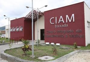 Centro de atendimento à mulher vítimas de violência em Nova Iguaçu, que está fechado Foto: Domingos Peixoto (18.04.2008) / O Globo