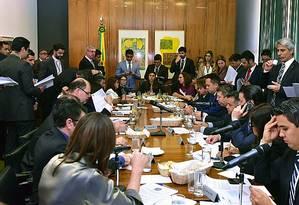 Dep. Mariana Carvalho (PSDB-RO) conduz Reunião de líderes desta quarta-feira Foto: Zeca Ribeiro / Divulgação - Câmara dos Deputados