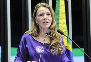 A senadora Vanessa Grazziotin (PCdoB-AM) discursa durante sessão do Congresso destinada à comemoração do Dia Internacional da Mulher Foto: Geraldo Magela / Geraldo Magela/Agência Senado