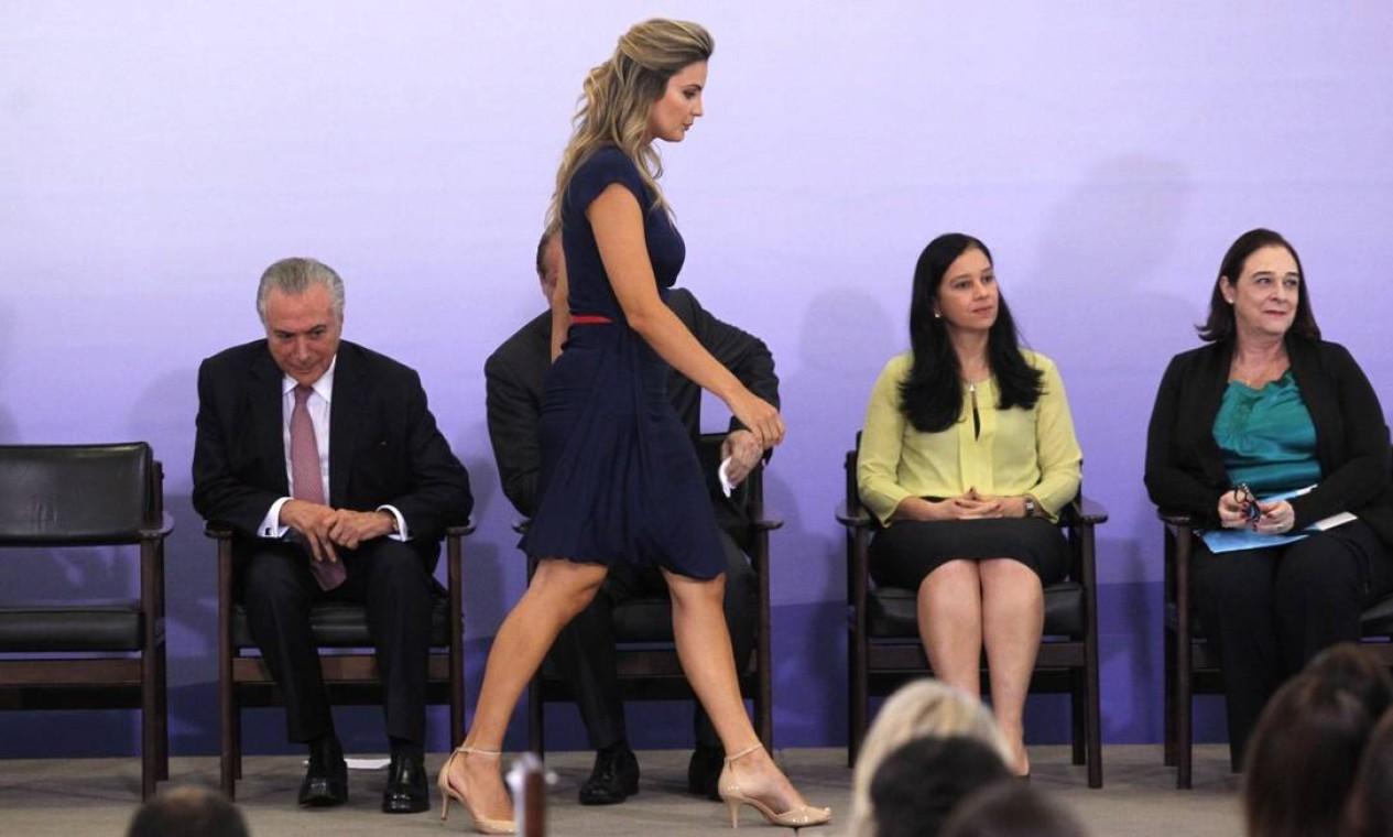 O presidente da República e a primeira-dama Marcela em cerimônia de Comemoração pelo Dia Internacional da Mulher Foto: Jorge William / Agência O Globo
