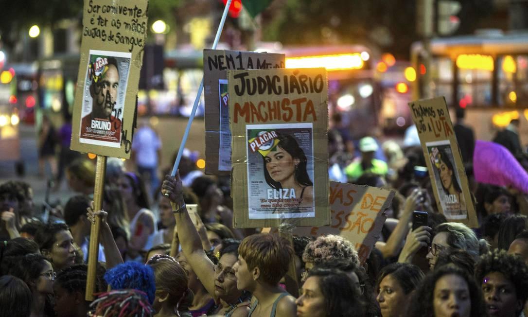 O ato acontece simultaneamente em outras 55 cidades brasileiras Foto: Alexandre Cassiano / Agência O Globo