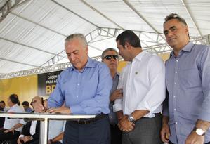 O presidente Michel Temer assina ordem de serviço para adequação da BR-230 no trecho que liga João Pessoa a Cabedelo (PB) Foto: Divulgação/Presidência