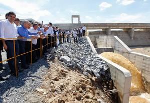 Presidente Michel Temer durante a abertura da comporta do Reservatório de Campos Foto: Beto Barata / Agência O Globo