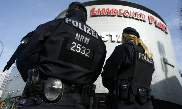 Polícia alemã fecha centro comercial por ameaça terrorista