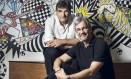 O autor Cao Hamburger e o diretor Paulo Silvestrini Foto: Divulgação/TV Globo/Ramon Vasconcelos