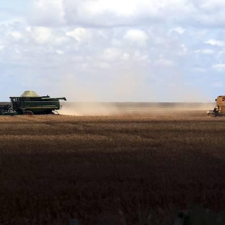 Grãos. Colheita de soja em Mato Grosso: produção vai crescer 21,8% este ano Foto: Gabriel de Paiva / Agência O Globo/10-3-2016