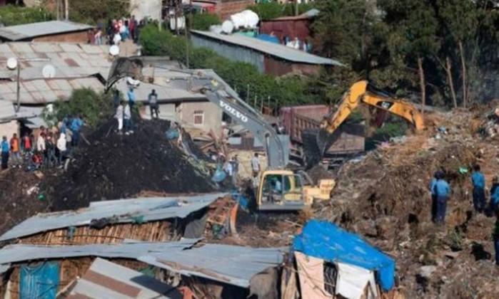 Deslizamento de terras em lixeira faz 46 mortos — Etiópia