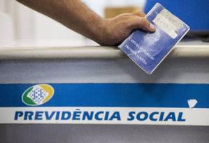 Agência do INSS no Rio Foto: Guito Moreto / Agência O Globo