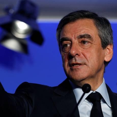"""Ex-premier François Fillon participa de entrevista coletiva em Paris para apresentar seu """"projeto para a França"""" Foto: PHILIPPE WOJAZER / REUTERS"""