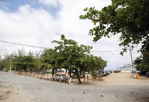 Estacionamento em Grumari é alvo de críticas Foto: Fabio Rossi / Agência O Globo