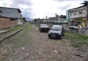 Projeto considera utilizar margem do Ramal de Cargas de Santa Rita, como no trecho que passa por Éden Foto: Câmara Metropolitana / Divulgação