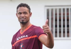 Bruno em seu primeiro treino pelo Boa, em Varginha Foto: Marcos Alves / Agência O Globo