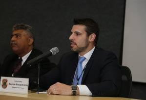 Delegado da Polícia Federal Mauricio Moscardi Grillo (à direita) e Igor Romario de Paula, da operação Carne Fraca. Foto: Geraldo Bubniak/AGB / Agência O Globo Foto: Parceiro / Agência O Globo