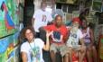 Natácia Dias com vizinhos que são personalidades na CDD