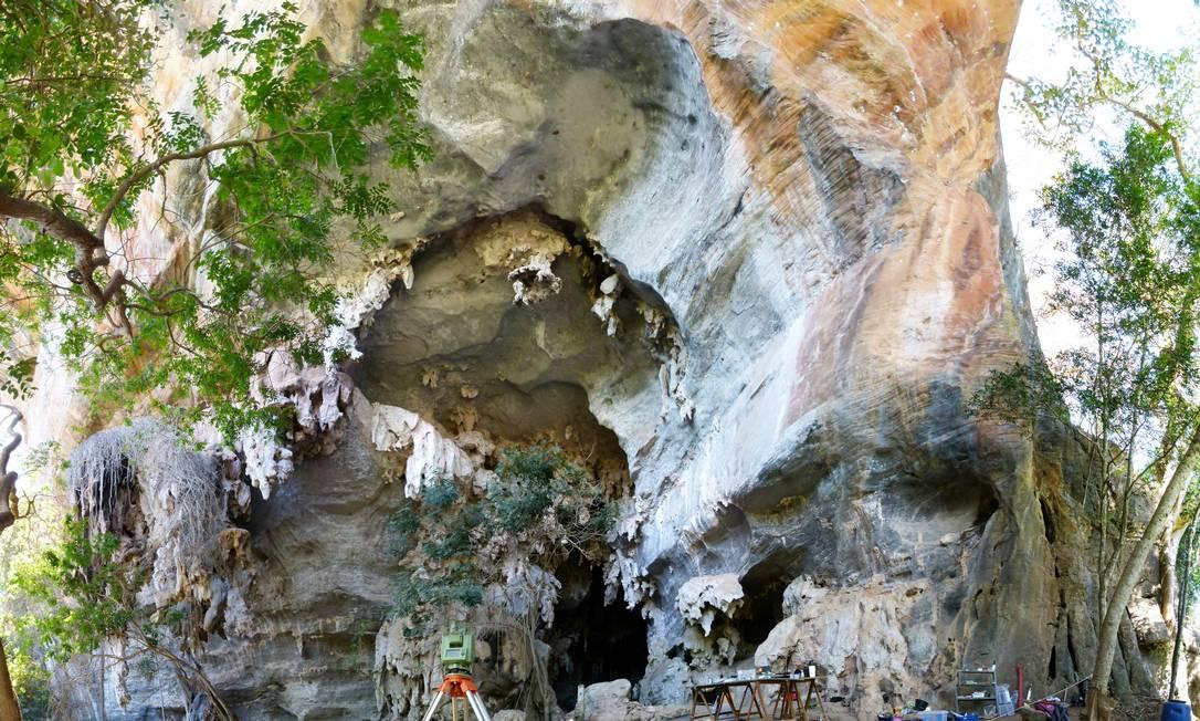 Caverna onde ossadas foram encontradas no sítio arqueológico de Lapa do Santo Foto: Andersen Lyrio