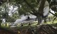 Senador Luiz Estevão mantém, no quintal de casa, no Lago Sul, um avião
