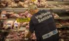 Operações foram realizadas em supermercados em Botafogo e em Copacabana Foto: Analice Paron / Agência O Globo