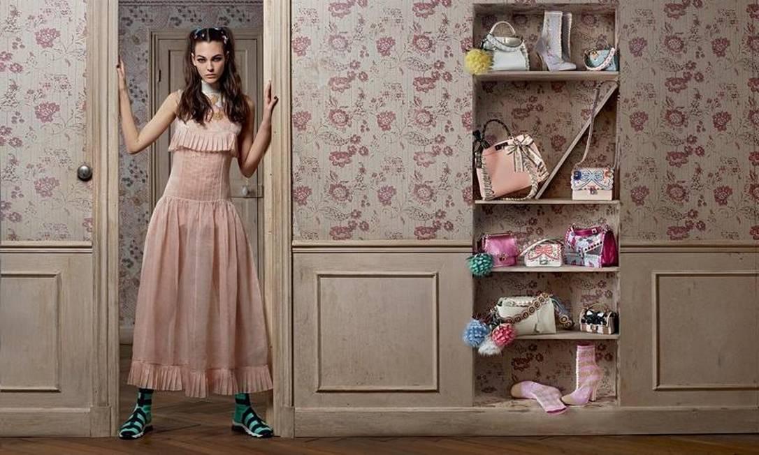 No site models.com, referência para o mundo da moda, Vittoria faz parte da lista das 50 modelos mais importantes da atualidade. Aqui, ela posa na campanha da Fendi Divulgação