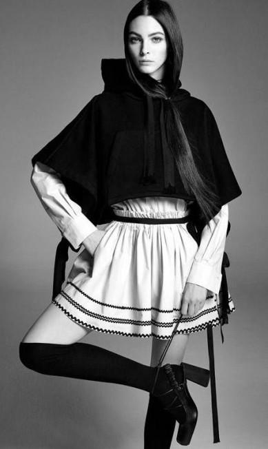 A italiana foi descoberta em 2012 ao participar de um concurso de modelos da agência Elite, em Milão. Aqui, Vittoria posa para a nova campanha da fast fashion Zara Divulgação