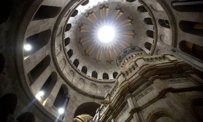 Resultado de imagem para Santo Sepulcro: restauração do túmulo de Jesus é concluída