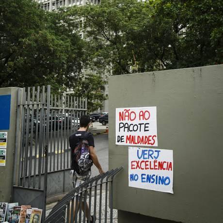 No Rio, UERJ está com as aulas paralisadas por falta de repasse do governo estadual Foto: Fernando Lemos / Agência O Globo