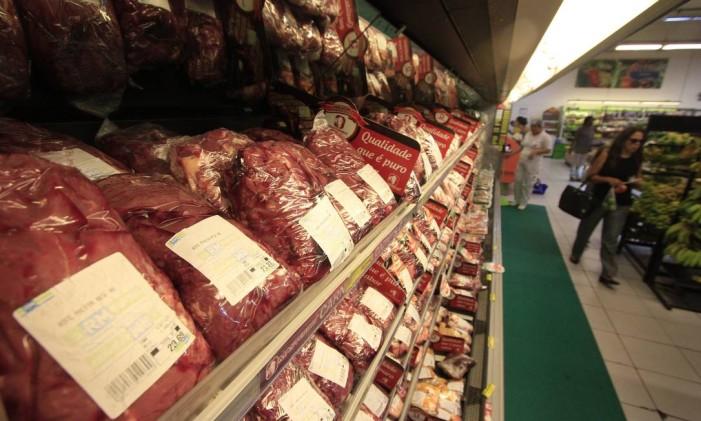 """Repercussão da operação """"Carne Fraca"""". Foto: Foto: Bobby Fabisak/JC / Agência O Globo"""