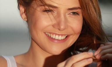 A atriz Leticia Colin é uma das adeptas da micropigmentação de sobrancelhas Foto: Roberto Moreyra / Agência O Globo