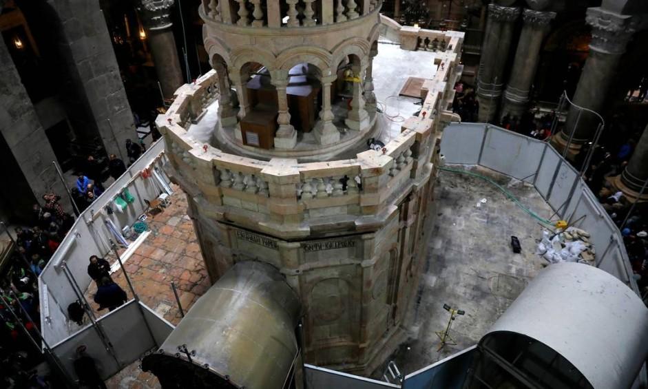 Templo ficou fechado por nove meses para restauração, conduzida por especialistas da Universidade Técnica Nacional de Atenas Foto: RONEN ZVULUN / REUTERS