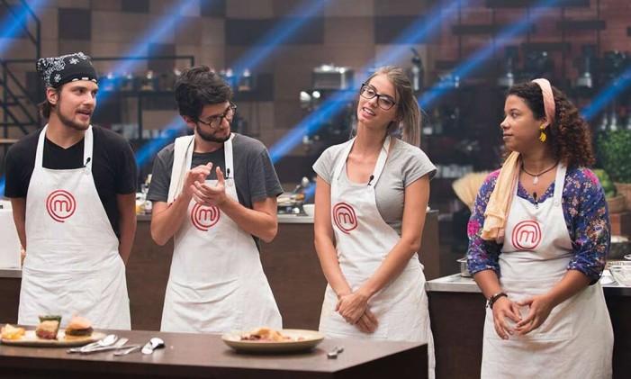 O hambúrguer de Ana Luiza chamou a atenção e venceu a disputa Foto: Carlos Reinis/Band