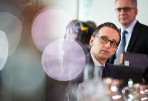 """""""A reabilitação dos homens (...) deveria ter sido feita há muito tempo"""", declarou o ministro da Justiça, Heiko Maas Foto: ODD ANDERSEN / AFP"""