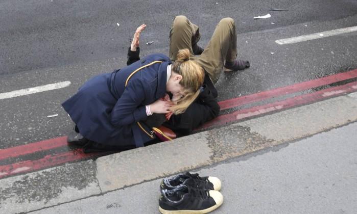 Polícia britânica prende sete suspeitos de ataque em Londres