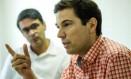 O geneticista francês Aguilaniu anuncia criação instituto ao lado de João Moreira Salles Foto: Ana Branco