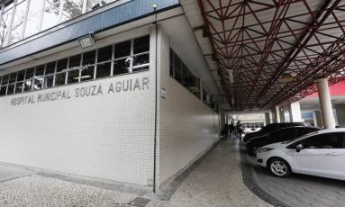 Pacientes reclamam de atraso na cirurgia para retirada de cálculo renal Foto: Pablo Jacob / Agência O Globo