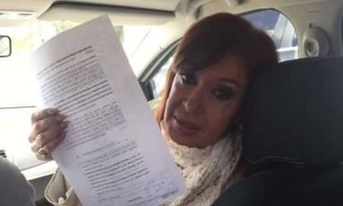 Cristina Kirchner a caminho do tribunal de Rio Gallegos, no dia em que criticou o juiz Bonadio Foto: Reprodução Internet