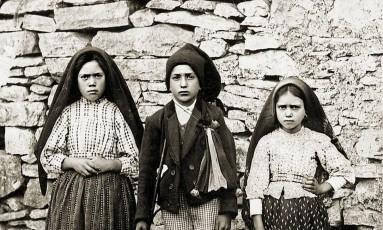 Os três Pastorinhos de Fátima: Lúcia dos Santos, Francisco Marto e Jacinta Marto Foto: WIKIPÉDIA