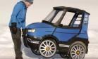 Sueco cria 'bike' elétrica de 4 rodas que parece carrinho de brinquedo Foto: Divulgação