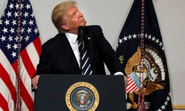 O presidente dos EUA, Donald Trump, em um comitê republicano em Washington Foto: Carlos Barria / REUTERS