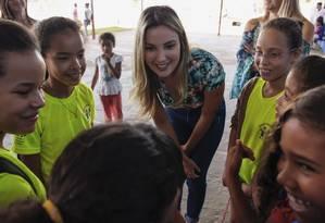A primeira-dama visitou a cidade Estrutural, em Brasília, onde funciona um lixão Foto: Carolina Antunes/Divulgação